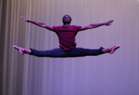 contemporary dance performer