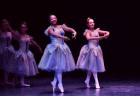 pointe dancers